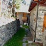 casegranparadiso-appartamento-109m-107B-vialetto d'ingresso