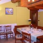 casegranparadiso-appartamento-7t-tavolo-giropanca