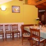 casegranparadiso-appartamento-7t-cucina-tavolo
