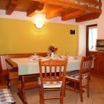 casegranparadiso-appartamento-7t-tavolo