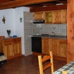 casegranparadiso-appartamento-103b-divano-cucina