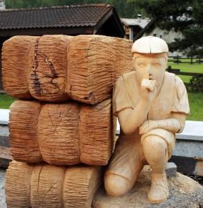statua in legno rnd